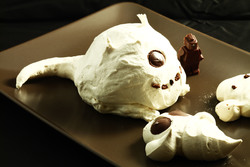 Easy meringue monsters