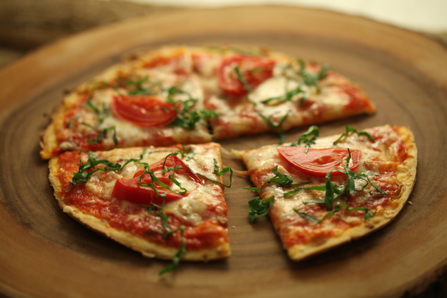 Fast and easy margarita pizza