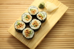 Natto sushi long roll